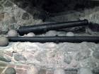 Muzejā var apskatīt dažādus kaujas ieročus un aprīkojumus 11