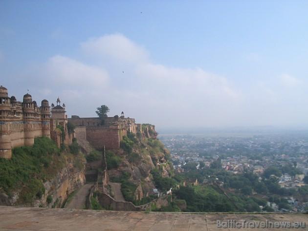 www.VIPtravel.lv piedāvā doties ceļojumā pa Indijas Zelta loku, jo Jūs noteikti nokļūsiet Agrā – pilsētā, kura tiek dēvēta par mīlestības pilsētu