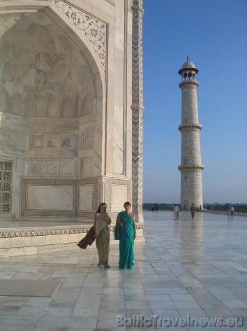 Kā zināms, Taj Mahal uzbūvēja Shan Jehan kā mauzoleju savai mīļotai sievai- Mumtaz Mahal