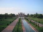 Jāatzīmē, ka Indijā Taj Mahal mauzolejs ir celts Šahdžahāna valdīšanas laikā un tā būvniecībā piedalījās vairāk kā 20 tūkstoši cilvēku, 20 gadu garumā 6