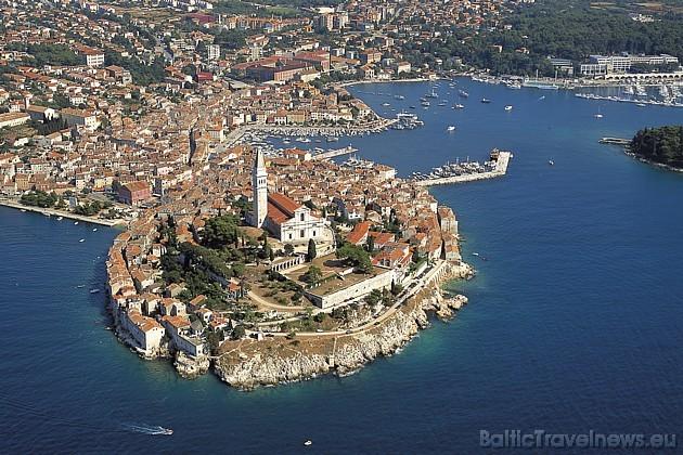 Iespējams, ka to apmeklēs pat 15 000 jauniešu, kas trauksies uz Horvātiju, lai uz dažām dienām pārvērstu Rovinjas pilsētiņu par ballīšu meku