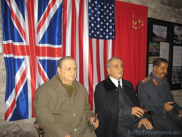 Vēsturiskās Jaltas konferences dalībnieki. Muzejs piedāvā arī iepazīties ar vēsturiskajiem dokumentiem