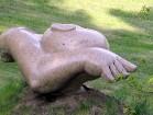 2001. gadā tika uzaicināti 8 slaveni Lietuvas mākslinieki uz akmens skulptūru simpoziju, kur viņi brīvi īstenoja savas idejas laukakmeņos. Tagad simpo 17