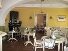 No jauna restaurētajās telpās atrodas kafejnīca - restorāns 10