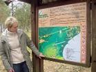 Izzināšanas takā var doties arī no Tīlas ielejas (Tylos slėnyje). Tā vietējie iedzīvotāji nosaukuši kāpas piekājē esošo pļavu, kurā vienmēr var atrast 15