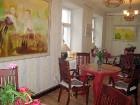 Galerijas Kūku istabā var patīkami pavadīt laiku, dzerot tēju vai tasi kafijas, un pamieloties ar gardu kūku 6