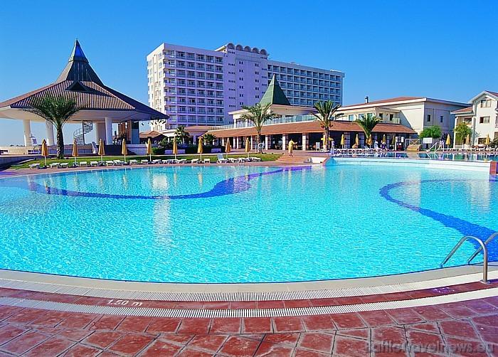 Viesnīca atrodas astoņu kilometru attālumā no Famagustas kūrorta  Foto: Salamis Bay Conti Hotel