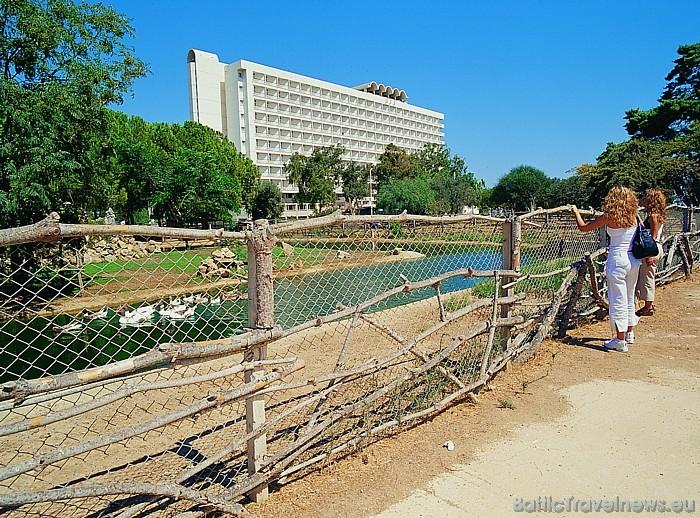 Skats uz viesnīcu Salamis Bay Conti Foto: Salamis Bay Conti Hotel