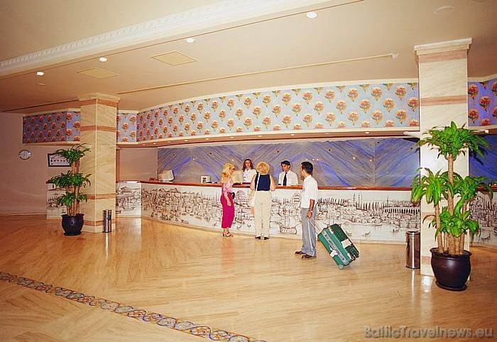 Viesnīcas Salamis Bay Conti recepcija Foto: Salamis Bay Conti Hotel