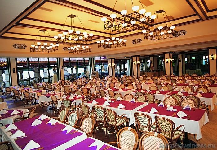 Viesnīcas Salamis Bay Conti ēdamzāle  Foto: Salamis Bay Conti Hotel
