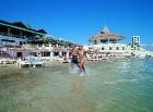 Viesnīcai Salamis Bay Conti ir sava privātā smilšu pludmale Foto: Salamis Bay Conti Hotel 5