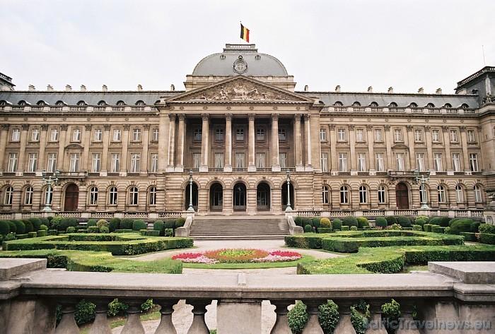 Viens no ievērojamākajiem apskates objektiem Briselē ir karaliskā pils Palais Royal - tā ir Beļģijas karaliskās ģimenes rezidence Foto: Copyright of