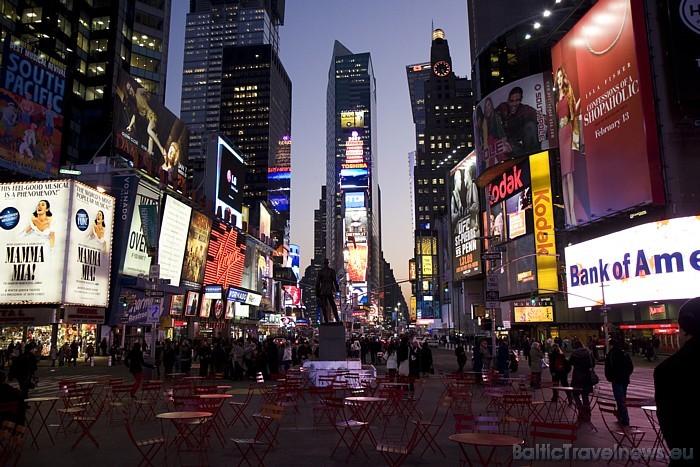 Žilbinošā metropole Ņujorka ir viena no tūristu iecienītākajām pilsētām visā pasaulē Foto: www.nycgo.com/Jen Davis