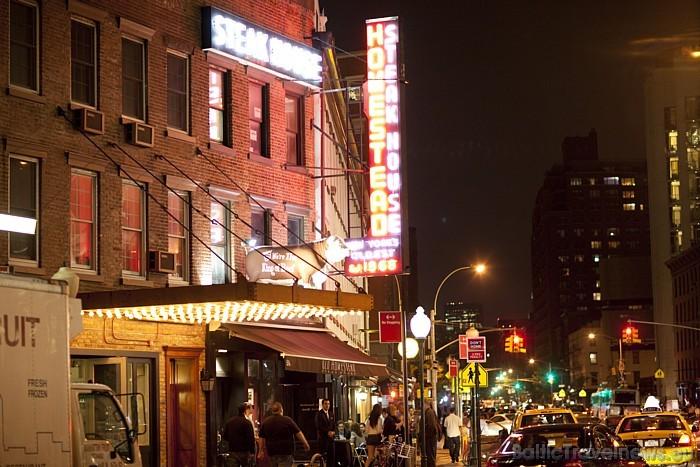 Ceļotājiem Ņujorkā patīk apskatīt tūrisma objektus, pasēdēt kafejnīcās, apskatīt muzejs un Centrālparku un, protams, iepirkties Foto: www.nycgo.com/A
