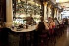 Ņujorkā kopā ir vairāk nekā 18 000 restorānu un kafejnīcu Foto: www.nycgo.com/Malcolm Brown 10