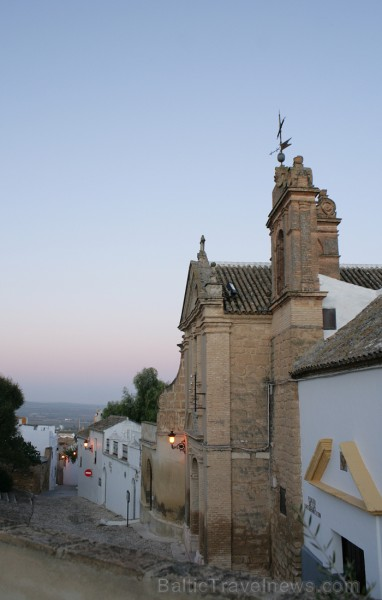 Skats no viesnīcas La Hospedería del Monasterio pagalma uz Osunas pilsētu www.turismosuna.es