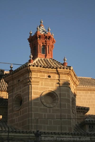 Rītausma Osunas vespilsētā (Andalūzija, Spānija) www.turismosuna.es