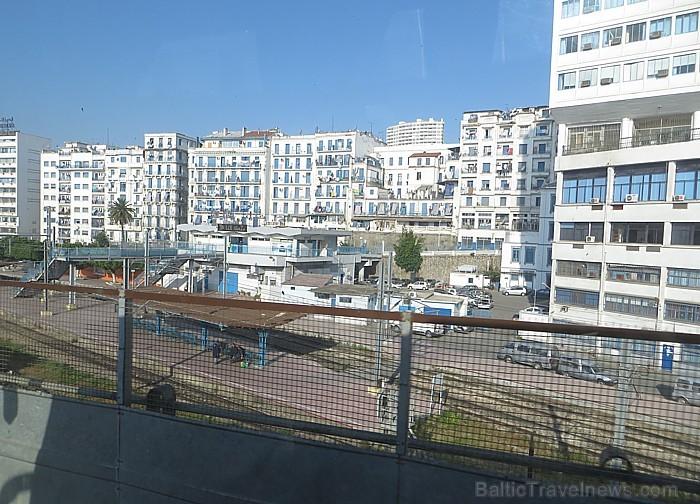 Alžīrā atrodas gan augtsākās valsts iestādes, gan ārvalstu vēstniecības 93070