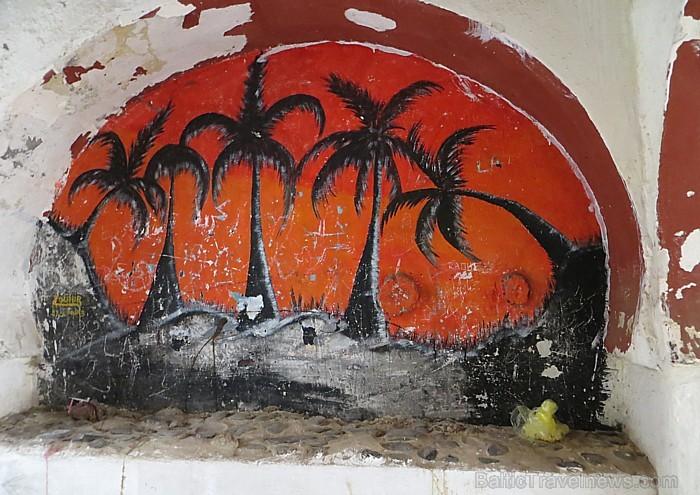 Pāri palicis arī kaut kas no senajiem sienu gleznojumiem 93106