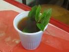 Alžīriešu tēja ir ļoti salda, bet ar dabiskās piparmētras lapiņām 26