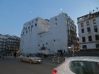 Pilsētā bez franču arhitektūras iezīmēm ir ļoti daudz arī ēkas ar arābisko raksturu - vienkāršas blokveida formas ēkas ar nelieliem taisnstūra lodziņi 29