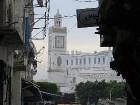 Alžīrā var apskatīt dažādas mošejas, iesaka apmeklēt arī botānisko dārzu un muzejus, taču jārēķinās, ka fotogrāfēt nedrīkstēs 76