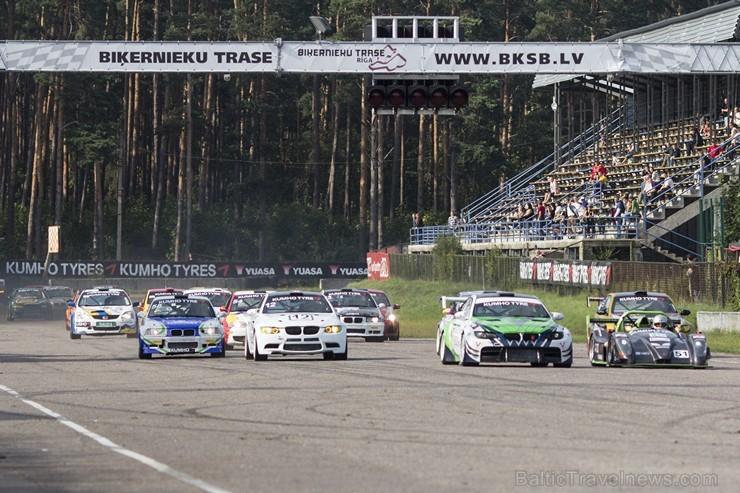 Ar lietuviešu uzvaru aizvadītas 555 km izturības sacensības