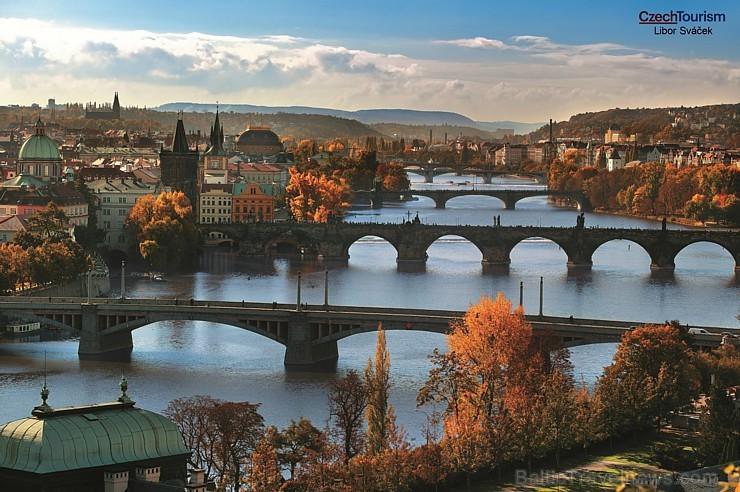 Sakiet NĒ garlaicīgai vasarai! EC Durbe aicina vasaras brīvdienās izzināt Čehijas galvaspilsētas Prāgas noslēpumus. Bezgala skaistā pilsēta piedāvā pl