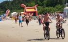 Karstais un saulainais laiks ir piepildījis Jūrmalas pludmali ar atpūtniekiem un tūristiem. Foto: Samsung Note8 9