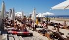 Karstais un saulainais laiks ir piepildījis Jūrmalas pludmali ar atpūtniekiem un tūristiem. Foto: Samsung Note8 19