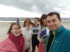 Vasaras saulgriežu laikā patriotiski noskaņoti cilvēki izgaismojuši Latviju, apejot tai apkārt 14