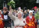 Dziesmu un deju svētku atklāšanas gājiens pulcē Rīgā visus Latvijas novadus (501-600) 79