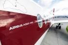 Latvijas nacionālā lidsabiedrība «airBaltic» 18. novembrī pirmo reizi piedalījās svinīgajā parādē ar «Airbus A220-300» lidmašīnu, kuru rotā sarkanbalt 15