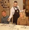 Vecrīgas restorāns «Kaļķu vārti» piedāvā gardēžu vakariņas ar aklo vīna degustāciju 28