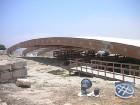 19 km pirms Lemesos pilsētas atrodas Kourion Kipras ievērojamākā arheoloģisko izrakumu apskates vieta. Kourion senatnē bija svarīga pilsētvalsts ar Ro 4