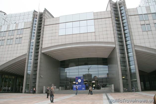 Travelnews.lv sadarbībā ar Eiropas Parlamenta ETP-ED grupu iepazinās ar Eiropas Parlamentu, kas atrodas Briselē 32499