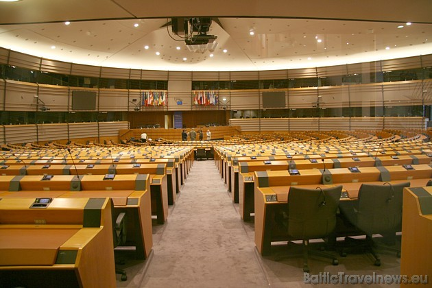 Eiropas Parlamenta deputātu sēžu zāle 32503