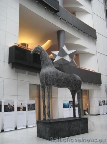 Eiropas Parlamenta skulptūra 32510