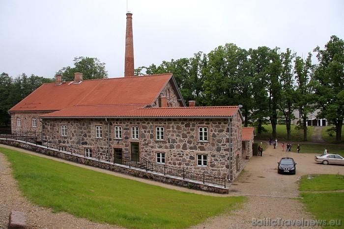 Muižas biijušo degvīna brūzi 19. gadsimta vidū no laukakmeņiem uzbūvēja Pauls Fersens 47094