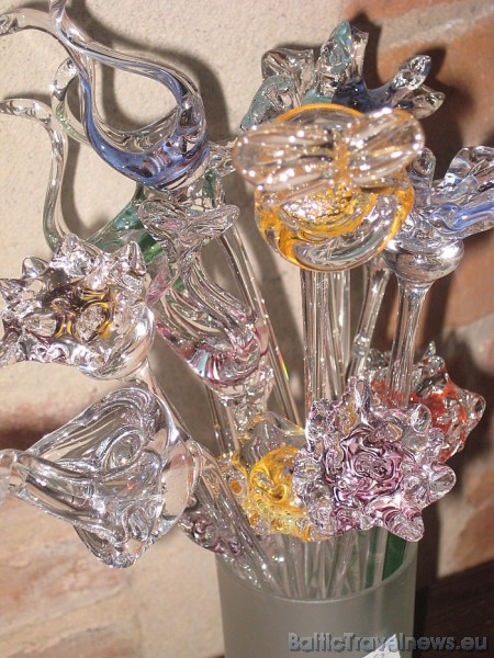 Stikla darbnīca aicina ciemos precīzos, bet 'ziloņi' var tikai noraudzīties meistardarbu radīšanā 47104