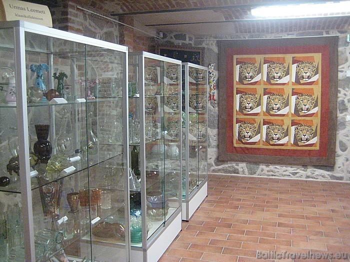 Stikla izstrādājumu kolekcija un izstāžu zāle 47110