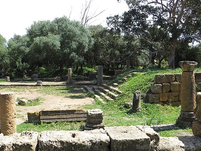 Tempļi un romiešu pārvaldnieku mitekļi atradušie lielo ceļu krustpunktu tuvumā, lai cilvēkiem tie būtu ērtāk pieejami 93297
