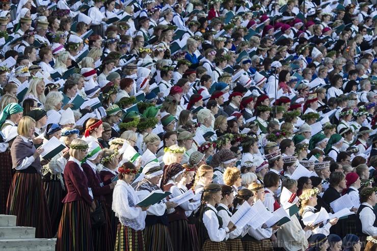 Ziemeļu un Baltijas valstu kori pieskandina Mežaparku 152840